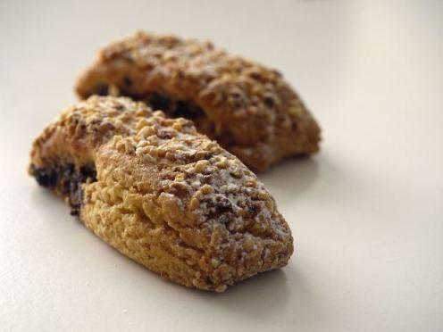 Lea Calypso St Bath Almond Cookie MorgueFile