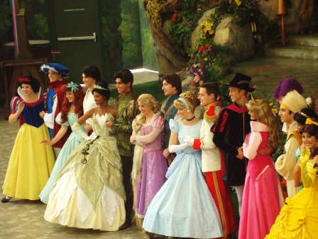 Neroli Disneyland Princesses WikiMedia